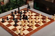 House of Staunton chess set and board combo